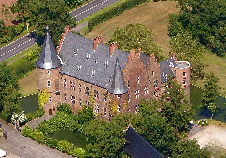 Burg-Konradsheim_Luftbildaufnahme